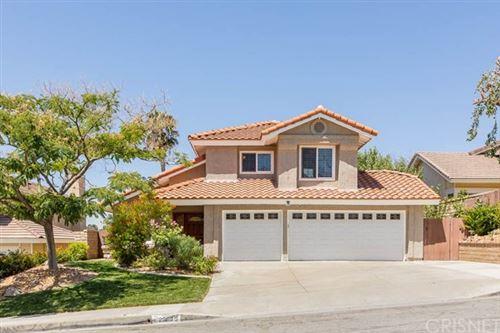 Photo of 28043 Parkridge Lane, Canyon Country, CA 91387 (MLS # SR20151707)