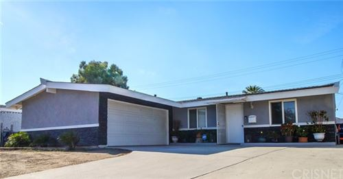 Photo of 19131 Stillmore Street, Canyon Country, CA 91351 (MLS # SR21130707)