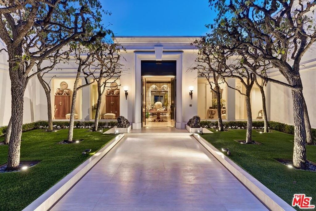 Photo of 1261 Tower Grove Drive, Beverly Hills, CA 90210 (MLS # 21787708)