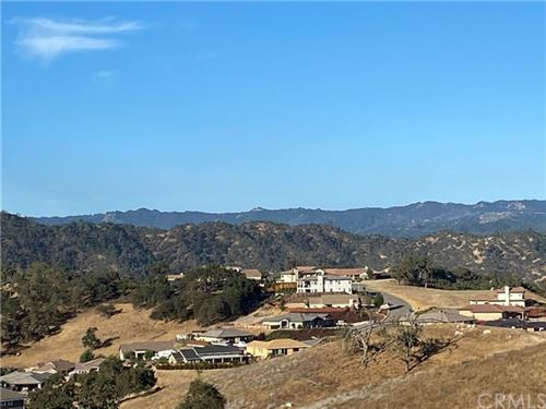 Photo of 2425 Auburn Drive, Paso Robles, CA 93446 (MLS # NS21002709)