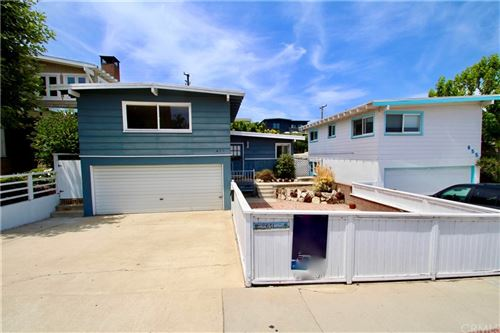 Photo of 651 15th Street, Manhattan Beach, CA 90266 (MLS # SB21094709)