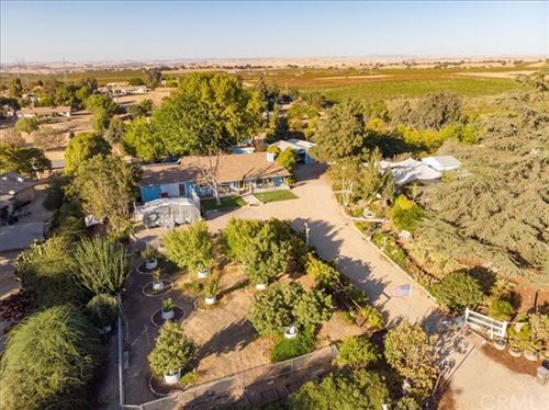 Photo of 6950 Chardonnay Road, Paso Robles, CA 93446 (MLS # NS20218710)