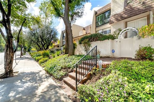 Photo of 6121 Shoup Avenue #38, Woodland Hills, CA 91367 (MLS # SR21203710)