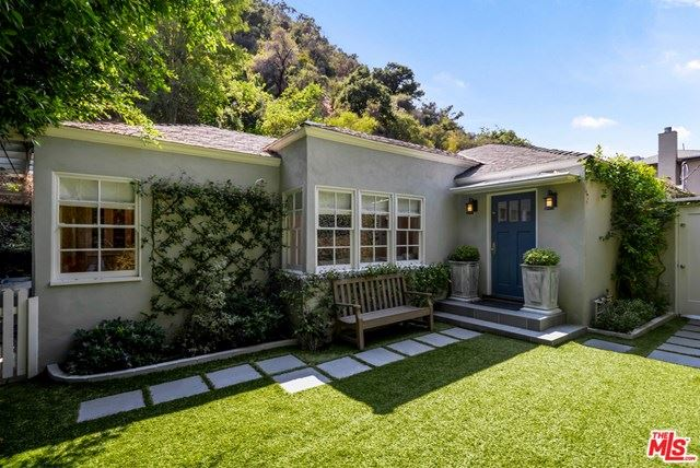 Photo of 1507 Benedict Canyon Drive, Beverly Hills, CA 90210 (MLS # 20616710)