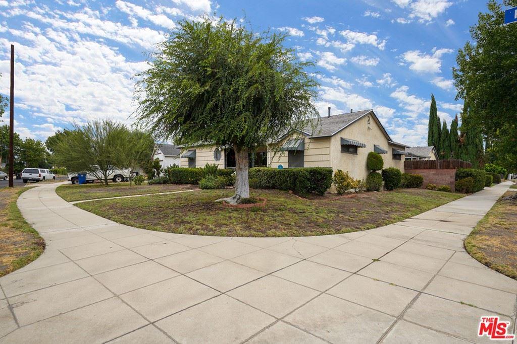 Photo for 9620 Kester Avenue, North Hills, CA 91343 (MLS # 21771710)