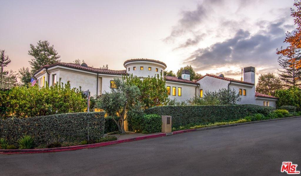 Photo of 15900 Alcima Avenue, Pacific Palisades, CA 90272 (MLS # 21795710)