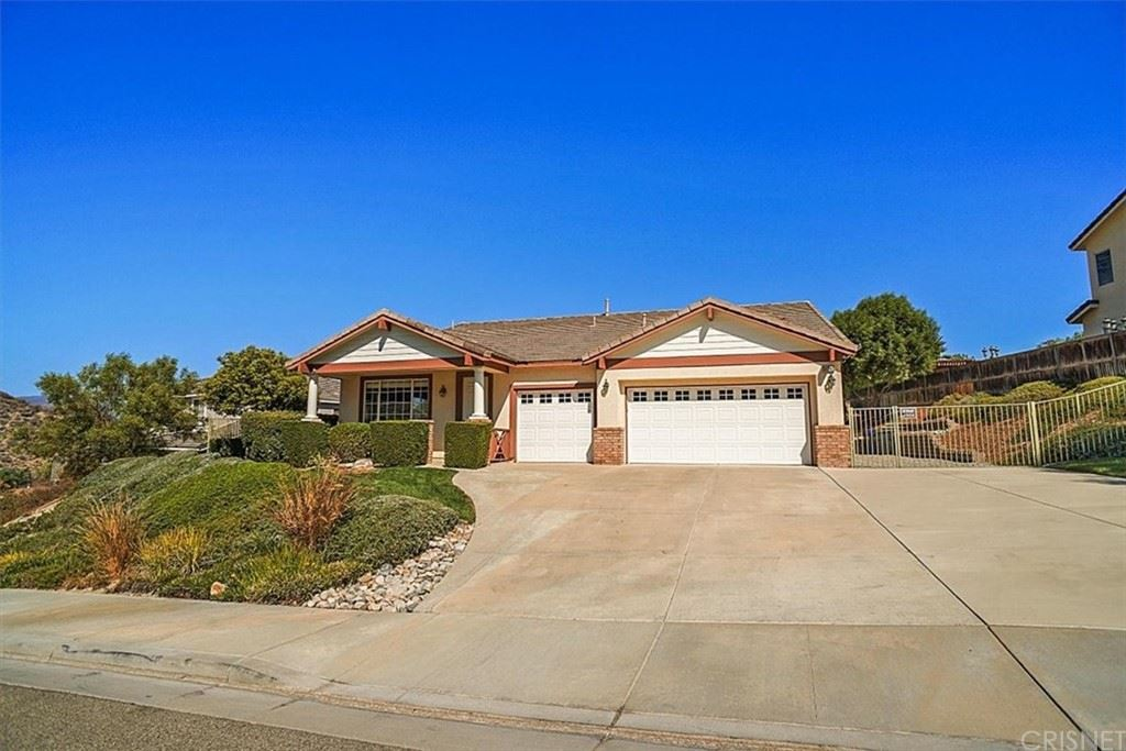 Photo for 31240 Countryside Lane, Castaic, CA 91384 (MLS # SR21210710)