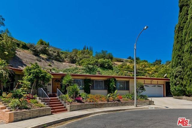 Photo of 11406 Dona Dolores Place, Studio City, CA 91604 (MLS # 21746712)
