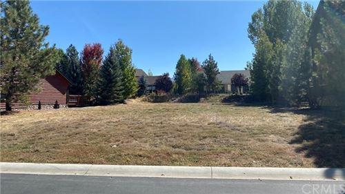 Photo of 74 Meadow N Circle, Big Bear, CA 92315 (MLS # OC20189713)