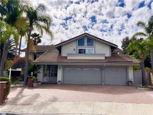 Photo of 433 S Oakgrove Circle, Anaheim Hills, CA 92807 (MLS # OC19286714)