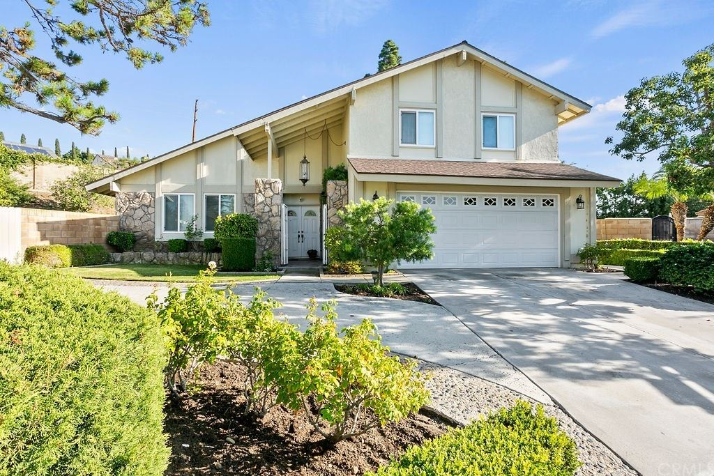 Photo of 4418 E Larkstone Circle, Orange, CA 92869 (MLS # PW21233714)