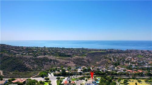 Photo of 3 Monterey Circle, Corona del Mar, CA 92625 (MLS # OC21232715)