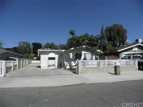 Photo of 25152 Vermont Drive, Newhall, CA 91321 (MLS # SR20090715)