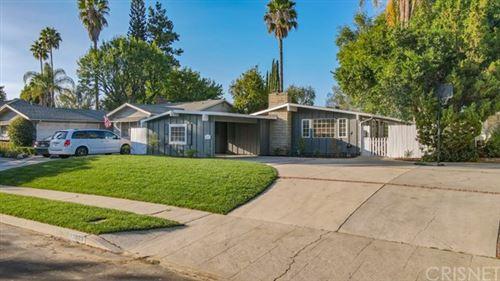 Photo of 22039 Mulholland Way, Woodland Hills, CA 91364 (MLS # SR20199715)