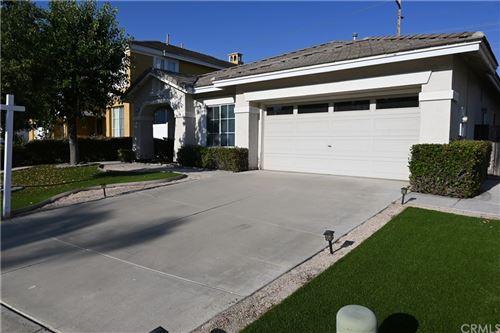 Photo of 37873 Sweet Magnolia Way, Murrieta, CA 92563 (MLS # SW21112715)