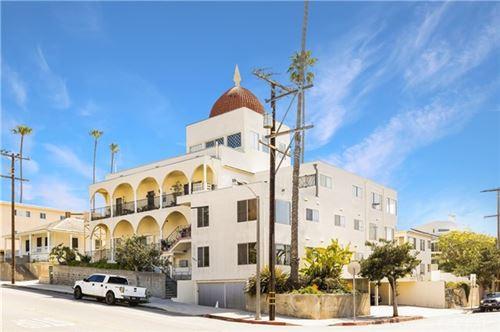 Photo of 2103 3rd Street, Santa Monica, CA 90405 (MLS # SB21076716)