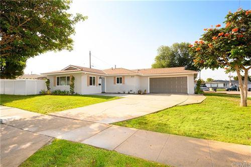 Photo of 810 E Whitecap Avenue, Orange, CA 92865 (MLS # DW21198717)
