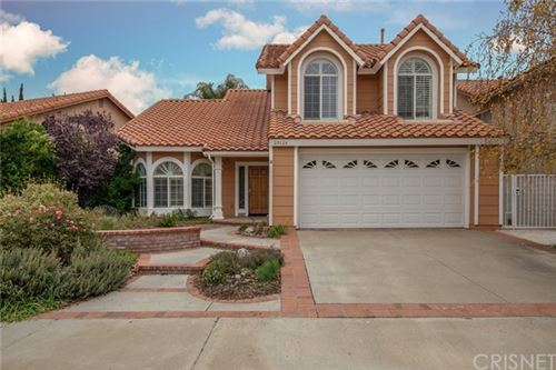 Photo of 20124 Zimmerman Place, Saugus, CA 91390 (MLS # SR19275717)