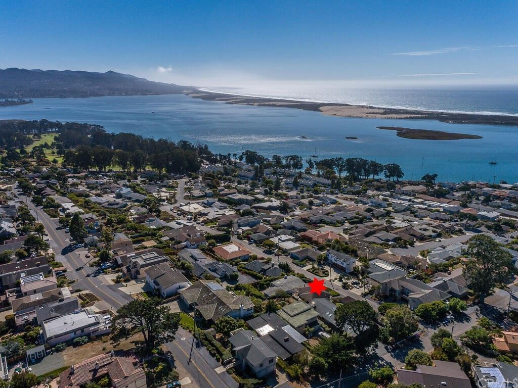Photo of 298 Bradley Avenue, Morro Bay, CA 93442 (MLS # SC21223717)