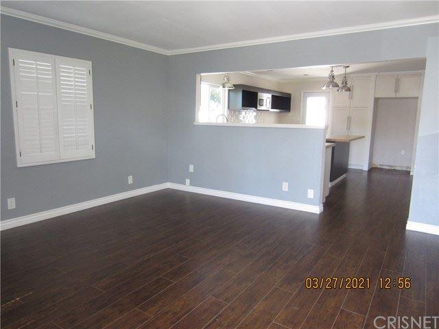 Photo of 13037 Calvert Street, Valley Glen, CA 91401 (MLS # SR21064717)
