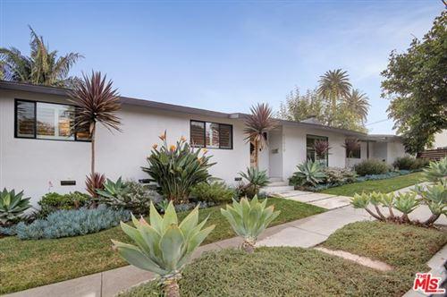 Photo of 12510 Victoria Avenue, Los Angeles, CA 90066 (MLS # 21678718)
