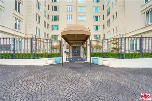 Photo of 1424 N CRESCENT HEIGHTS #18, West Hollywood, CA 90046 (MLS # 21719718)