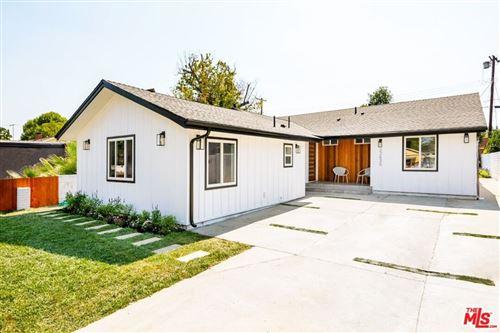 Photo of 22630 W Clarendon Street, Woodland Hills, CA 91367 (MLS # 21784718)