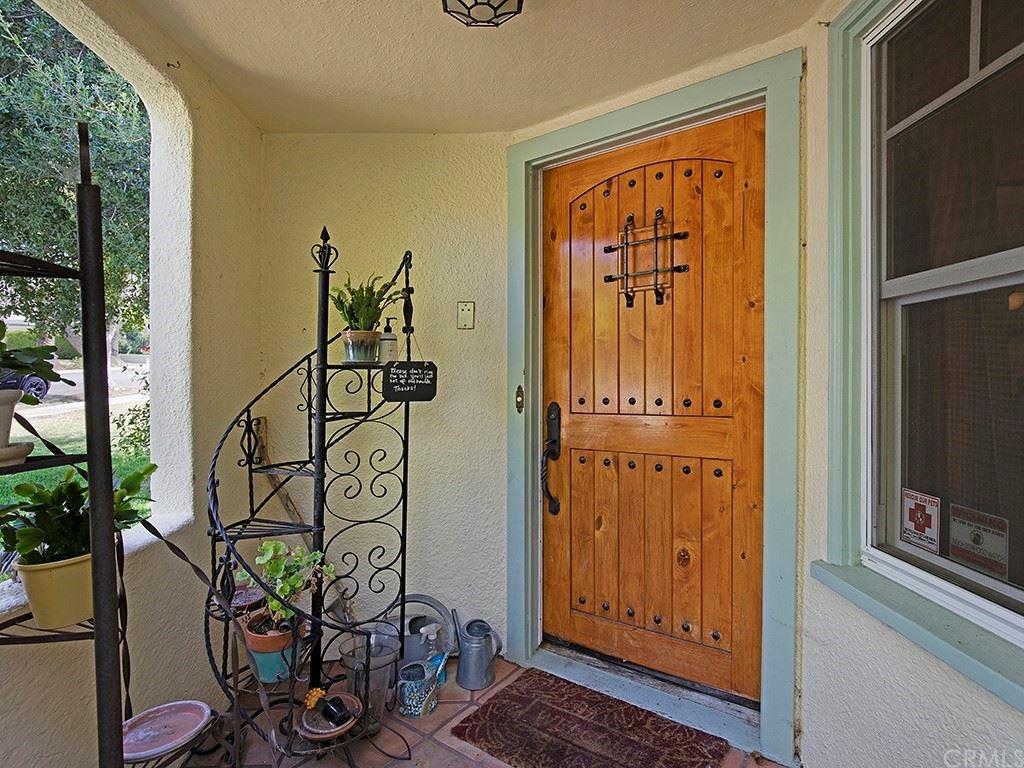 Photo of 918 E Tujunga Avenue, Burbank, CA 91501 (MLS # BB21160718)