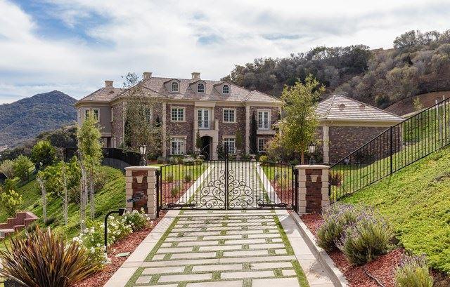 Photo of 2468 Ladbrook Way, Thousand Oaks, CA 91361 (MLS # 220001719)