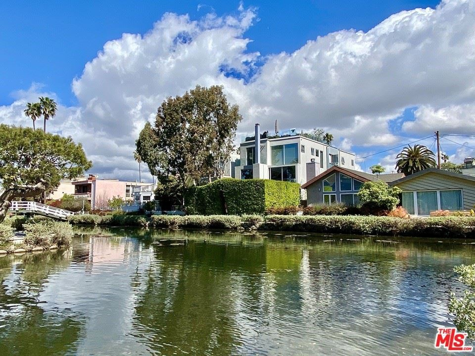 Photo of 2335 Eastern Canal, Venice, CA 90291 (MLS # 21764720)