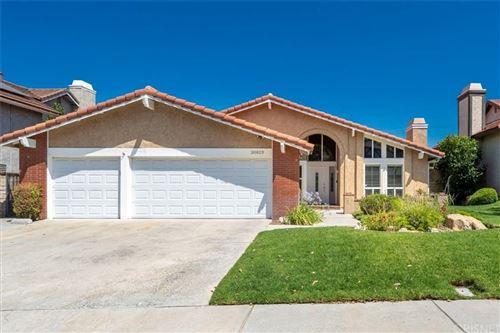 Photo of 20823 Satinwood Drive, Saugus, CA 91350 (MLS # SR21158721)