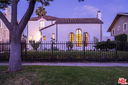 Photo of 972 WESTCHESTER Place, Los Angeles, CA 90019 (MLS # 20579722)