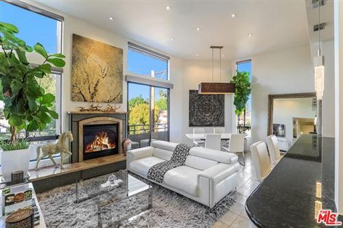 Photo of 13920 Moorpark Street #302, Sherman Oaks, CA 91423 (MLS # 21699722)