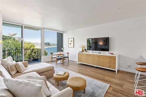 Photo of 17366 W Sunset Boulevard #304, Pacific Palisades, CA 90272 (MLS # 21715722)