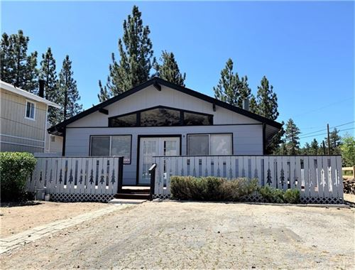 Photo of 400 Maltby Boulevard, Big Bear, CA 92314 (MLS # EV20034722)