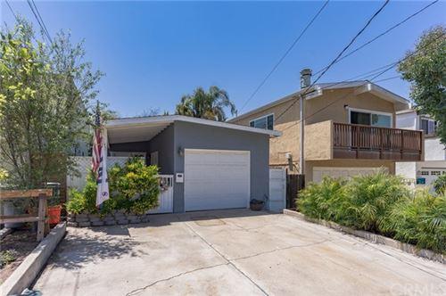 Photo of 1537 Steinhart Avenue, Redondo Beach, CA 90278 (MLS # SB21100722)