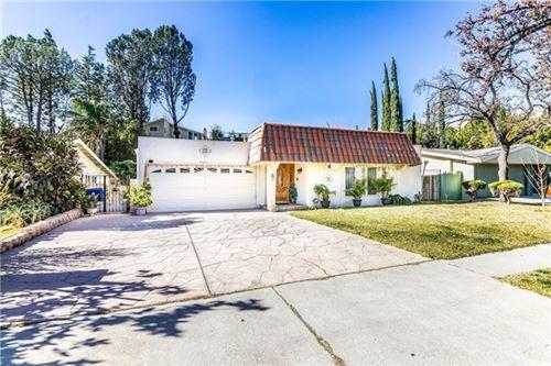 Photo of 12721 Daryl Avenue, Granada Hills, CA 91344 (MLS # SR21008722)