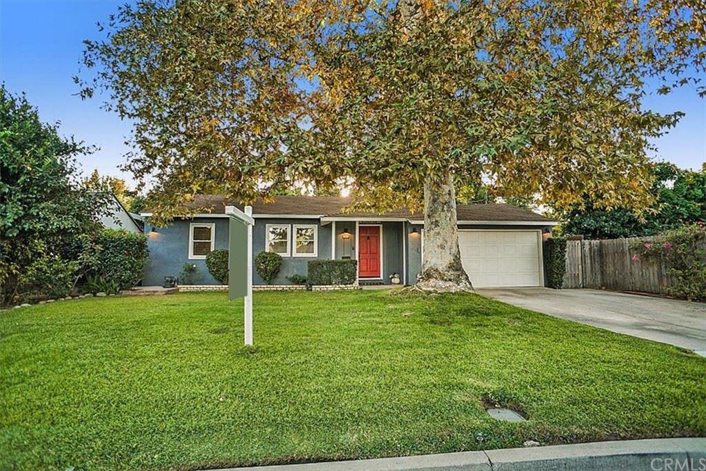 Photo of 637 N Pass Avenue, Burbank, CA 91505 (MLS # BB21226723)