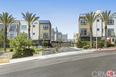 Photo of 2753 Waverly Drive #702, Los Angeles, CA 90039 (MLS # PW20213724)