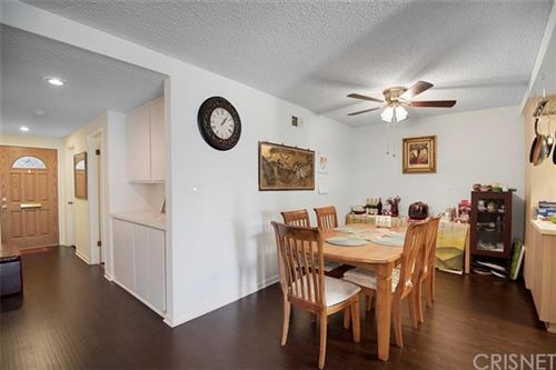 Tiny photo for 26836 Oak Branch Circle, Newhall, CA 91321 (MLS # SR20195724)