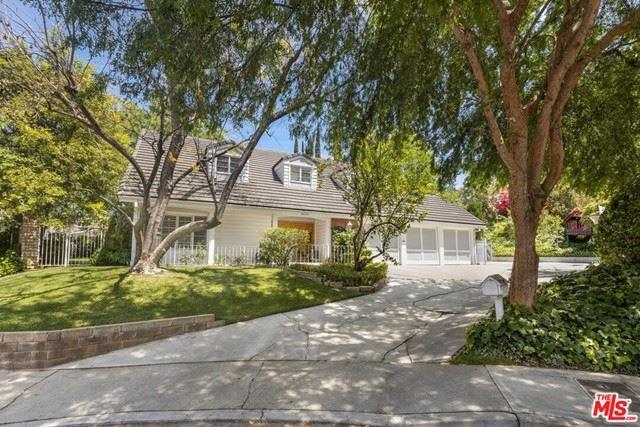 Photo of 4420 Da Vinci Avenue, Woodland Hills, CA 91364 (MLS # 21752724)