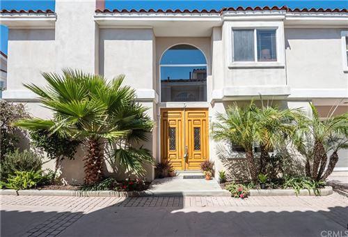 Photo of 413 N Elena Avenue #D, Redondo Beach, CA 90277 (MLS # SB21209725)