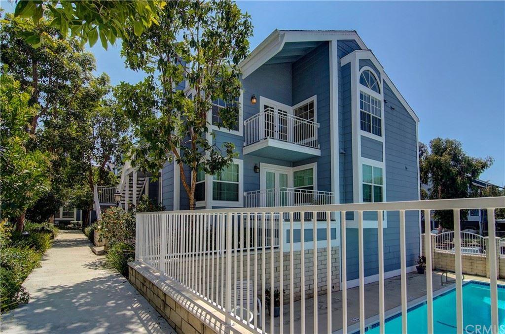 Photo of 850 Halyard #26, Newport Beach, CA 92663 (MLS # OC21166725)