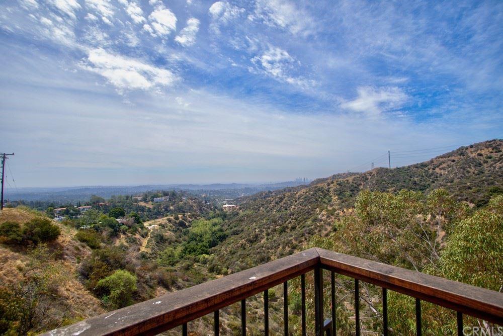 Photo of 1510 Glen Oaks Boulevard, Pasadena, CA 91105 (MLS # SB21078725)