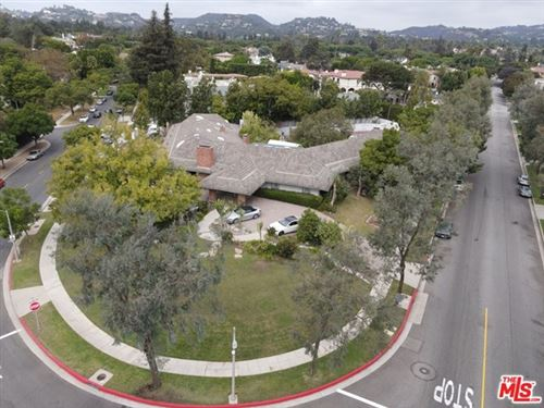 Photo of 800 N Whittier Drive, Beverly Hills, CA 90210 (MLS # 20649726)