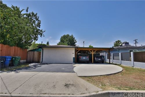 Photo of 5625 Vantage Avenue, Valley Village, CA 91607 (MLS # SR20081726)