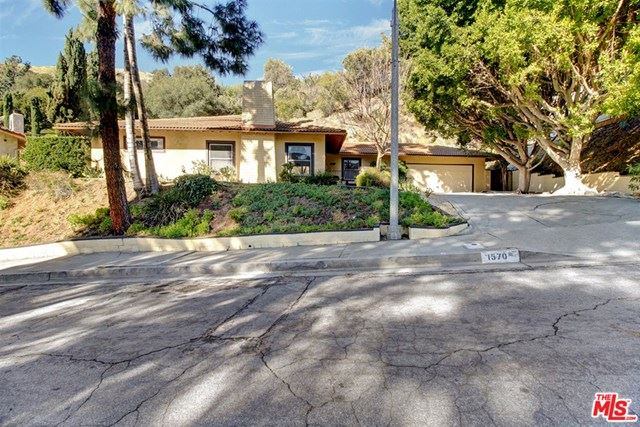 Photo of 1570 Colina Drive, Glendale, CA 91208 (MLS # 20607726)
