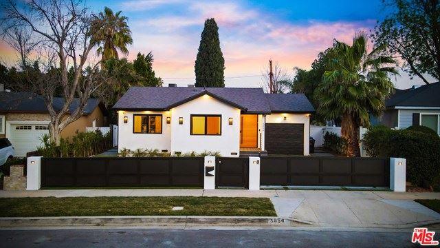 Photo of 5854 Jamieson Avenue, Encino, CA 91316 (MLS # 21692726)