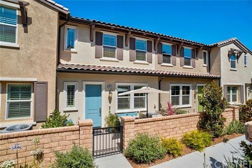 Photo of 28694 Jardineras Drive, Valencia, CA 91354 (MLS # SR20154727)