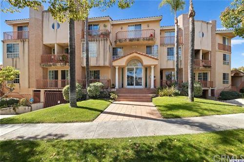 Photo of 411 Piedmont Avenue #102, Glendale, CA 91206 (MLS # 320005729)